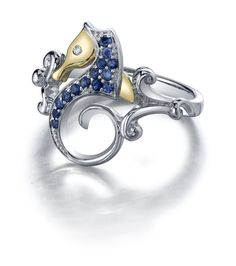 Beautiful seahorse ring from Steven Douglas