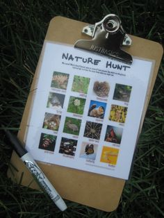 nature scavenger hunt, outdoor play idea for child care. Pinned by Child Care Aware of Central Missouri. Movement Activities, Nature Activities, Summer Activities, Educational Activities, Outdoor Education, Outdoor Learning, Outdoor Play, Outdoor Ideas, Kids Learning