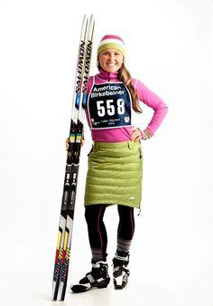 Skhoop Short Down Skirt Green and Holly Brooks Modest Winter Outfits, Modest Workout Clothes, Workout Outfits, Sport Fashion, Womens Fashion, Ski Wear, New Wardrobe, Dress Skirt, Sportswear