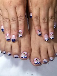 Gorgeous 40 French Nails With Flowers - isishweshwe Pedicure Nail Art, Pedicure Designs, Toe Nail Designs, Nail Polish Designs, Toe Nail Art, French Nails, Us Nails, Hair And Nails, Ongles Forts