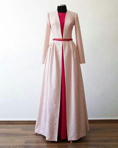 "it would be fun to make a ""dress jacket"" that can go over any other dress and just mimics empire or natural waist jackets. Abaya Fashion, Modest Fashion, Fashion Dresses, Hijab Abaya, Moslem Fashion, Modele Hijab, Hijab Fashion Inspiration, Hijab Style, Muslim Dress"