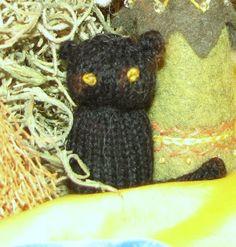 The Handmade Homemaker: Knitted Cat Pattern
