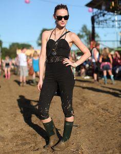 Glastonbury Music Festival Fashion Pictures – Style Pictures from Glastonbury - Harper's BAZAAR