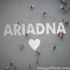 Nombre Ariadna / Name Ariadna / Ariadna / nombre / name / calle / gente caminando / people