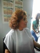 A Dona Maria Antónia na sala de maquilhagem