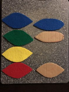 I made two cardboard stencils for cutting the feathers Baby Parrot Costume, Feathers, Stencils, Kids Rugs, Costumes, Home Decor, Decoration Home, Kid Friendly Rugs, Dress Up Clothes
