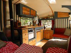12 Wonderful RV Camper Trailer Remodel Ideas For Weekend Holiday Cool Campers, Rv Campers, Happy Campers, Teardrop Campers, Camper Interior Design, Rv Interior, Interior Ideas, Interior Inspiration, Kombi Trailer