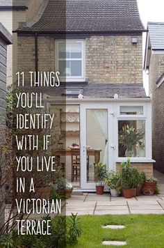 11 Things You'll Identify With If You Live In a Victorian Terrace | eBay Victorian Terrace Interior, Victorian Cottage, Victorian Homes, Modern Victorian, My Ideal Home, Moving House, Victorian Fireplace, Cottage Homes, High Ceilings