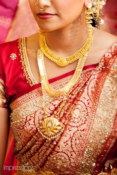 South indian bridal jewellery earrings saree blouse 50 Ideas for 2019 South Indian Bridal Jewellery, South Indian Weddings, Big Fat Indian Wedding, Indian Wedding Outfits, South Indian Bride, Bridal Outfits, Indian Outfits, Indian Jewelry, Kerala Bride