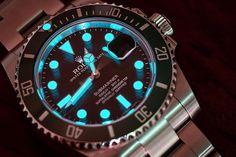 내 인생 첫번째 #롤렉스  #서브마리너 #그린  어둠에서 밝게 빛나는 #루미노바  #여보고마워  #로렉스 #섭마 #녹판 #그린서브마리너 #시계 #시계스타그램  #rolex #submariner #greensubmariner  #watch by lee___sungmin #rolex #submariner