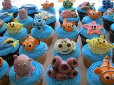 Finding Nemo cupcakes. Wish I could make these for my girl. She would LOVE them!!