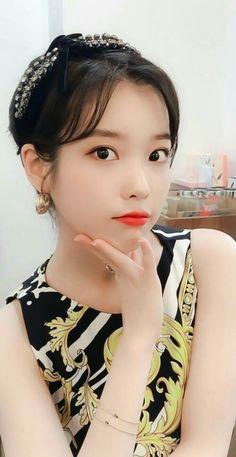 Iu Fashion, Korea Fashion, Korean Girl, Asian Girl, Girl Artist, Chinese Actress, Korean Actresses, Korean Celebrities, Model Pictures