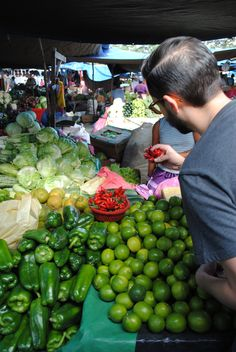 The Honduran markets are all about freshness, you won't see brighter colors than this ones.
