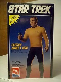 Star Trek Captain James T. Kirk Vinyl Model Kit, Mib