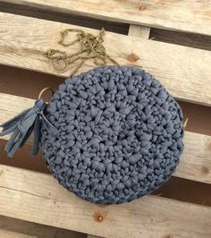 Sewing Patterns, Crochet Patterns, Crochet Ideas, Fabric Yarn, Boho Diy, Crochet Purses, Micro Macrame, T Shirt Yarn, Womens Purses