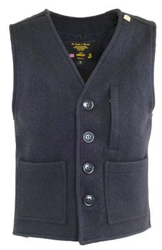 Get fashionable warm during colder days with a sweater vest! Get helpful fashion tips in wearing sweater vests right here! Mens Leather Waistcoat, Skinny Fashion, Disco Fashion, Pant Shirt, Japanese Outfits, Mens Fashion, Fashion Outfits, Streetwear Fashion, Vest Men