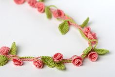Crochet Pattern Rose Garden Necklace Bracelet   Digital file