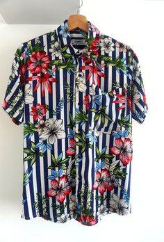 Mens Button Up, Short Sleeve Button Up, Button Up Shirts, Moda Peru, Custom Checks, Pretty Shirts, Dapper Men, Printed Shirts, Mens Fashion