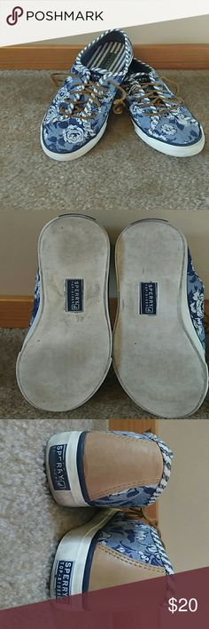 Womens TOP-SIDER SPERRY shoes Used great condition. Top-siders Sperry women's shoes. Size 9.5M Sperry Shoes Sneakers