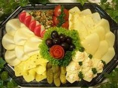 Serve picture result for cheese plate - Party-Buffet - Wurst Birthday Party Snacks, Snacks Für Party, Party Buffet, Food Decoration, Cheese Platters, Food Humor, Chorizo, Food Presentation, Food Design