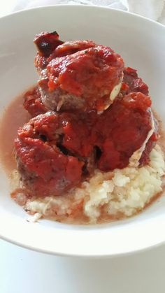Hungry Hubby And Family: COHEN DIET: Meatballs in Tomato Sauce and Mash