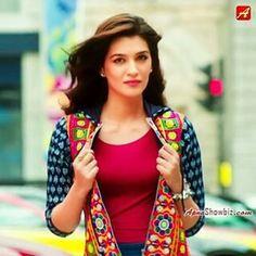 Kriti Sanon confirmed for Housefull 4 Bollywood Dress, Bollywood Girls, Bollywood Stars, Beautiful Bollywood Actress, Beautiful Indian Actress, Beautiful Actresses, Indian Film Actress, South Indian Actress, Indian Actresses