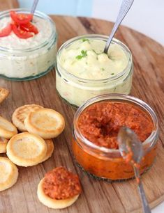 3 easy spreads for the cocktail bar - Francesca Kookt Pizza Appetizers, Appetizers For Party, Appetizer Recipes, Snack Recipes, Food Porn, Tapenade, Tasty, Yummy Food, Snacks Für Party