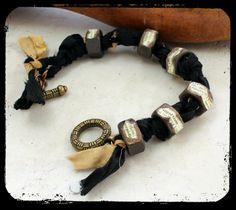 #bracelet #beadsoupblogparty via www.PrettyThingsBlog.com