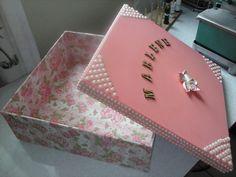 caixa decorada encapada com tecido e perola