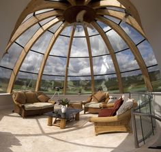 Best glass ceiling design ideas to enjoy the night sky 07 Geodesic Dome Homes, Dome House, House Roof, Glass Ceiling, Glass Walls, Round House, Earthship, Glass Domes, Ceiling Design