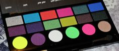 Makeup Revolution Colour Chaos Palette http://www.talasia.de/2015/08/28/makeup-revolution-colour-chaos-palette/