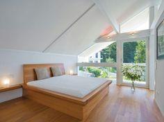 Huf haus bedroom Planning Board, Bungalow, Modern Furniture, Master Bedroom, House Plans, Loft, Architecture, Building, Interior