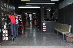 OUTLET MONSTER Venta de artículos relacionados a la Cultura del Rock. Contamos con las licencias de DC COMICS, BATMAN ARKHAM CITY & MORTAL KOMBAT.  Dr. Vertiz no. 86 Col. Doctores entre Dr. Lavista y Dr. Pascua. 55 78 37 02 ext 666 o ext 555 VENTAS MAYOREO Y MENUDEO.  www.kingmonster.com www.lamarcadeldiablo.com