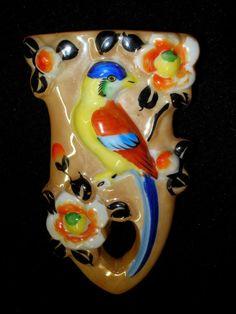 VINTAGE JAPANESE PORCELAIN WALL POCKET VASE EXOTIC BIRD LUSTRE LUSTERWARE JAPAN