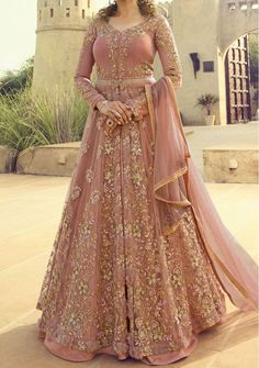 Indian Designer Dresses & Traditional Clothes Online Shopping in USA Pakistani Fashion Party Wear, Pakistani Wedding Outfits, Indian Party Wear, Pakistani Bridal Dresses, Pakistani Dress Design, Walima Dress, Indian Fashion, Gown Dress, Bollywood Fashion