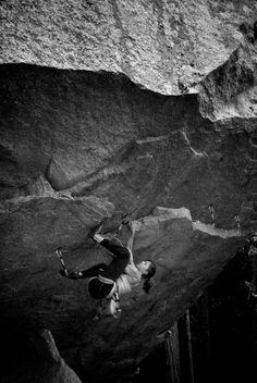 ★ロッククライミングの魅力をまた発見 岩をはっていくのは、勇気がいる。 どちらが、上か下か分からなくなってしまった。 ロッククライミングの魅力をまた発見しました。