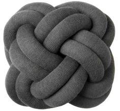Coussin Knot Gris foncé - Design House Stockholm - Décoration et mobilier design avec Made in Design