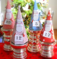 "free downloadable Santa box pattern for Christmas  (look under the button ""graphic"")"