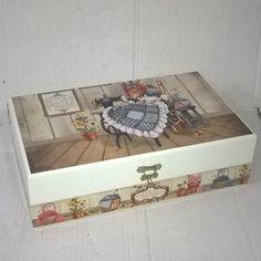 Caixa de costura. Tinta pva cintilante Corfix porcelana. Papel scrapbooking Litoarte SD 394 e faixa adesiva Litoarte BDA IV 318