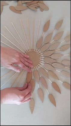 Diy Room Decor Videos, Diy Crafts For Home Decor, Diy Crafts Hacks, Diy Crafts For Gifts, Diy Arts And Crafts, Creative Crafts, Paper Crafts, Homemade Wall Decorations, Wall Decor Crafts