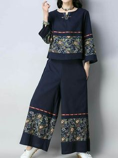 Arizona Co-Ords Sleeve type: Full Sleeves Material: Linen & Cotton Process: Print Two Pieces Wearable in: Autumn Soft Thin Non-stretchable Stylish Dresses, Casual Dresses, Hijab Fashion, Fashion Dresses, Women's Fashion, Types Of Sleeves, Full Sleeves, Dress Trousers, Plus Size Clothing