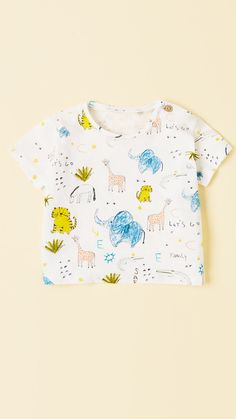 Children and Young Stylish Little Girls, Baby Kids, Baby Boy, Kids Patterns, Kids Prints, Boys T Shirts, Kids Wear, Boy Fashion, Boy Outfits