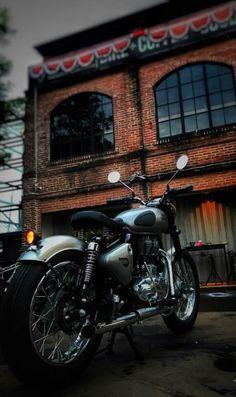 New Bullet Bike Royal Enfield Motors 69 Ideas Motos Royal Enfield, Enfield Bike, Enfield Motorcycle, Motorcycle Style, Women Motorcycle, Motorcycle Helmets, Royal Enfield Bullet, Royal Enfield Classic 350cc, Motorcycles