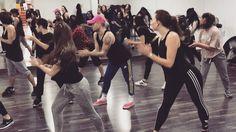 Super clase de #Funky con Camilo  baile grupal!