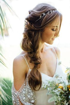 love this side braid for brides