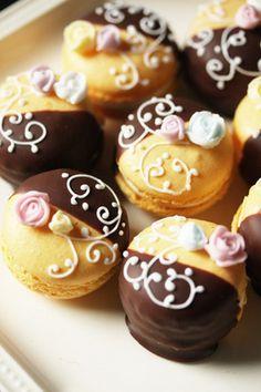 chocolate dipped macarons <3