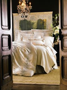 """Sumptuous """"Marte"""" sheets from Anichini's Villa D'Esté Collection pair beautifully with the Matelassé Collection's classic """"Nevada"""" coverlet. Boudoir, Brass Bed, Fine Linens, Dream Bedroom, Dream Rooms, Beautiful Bedrooms, Beautiful Homes, Architecture, My Dream Home"""