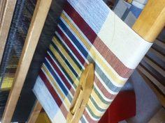 Weaving Designs, Weaving Projects, Weaving Patterns, Textiles, Textile Prints, Loom Weaving, Hand Weaving, Tear, Weaving Techniques