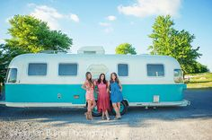 1976 Airstream Argosy Turquoise and White Traveling Boutique Vintage Rv, Vintage Airstream, Vintage Caravans, Vintage Travel Trailers, Vintage Campers, Airstream Renovation, Airstream Interior, Airstream Remodel, Old Campers