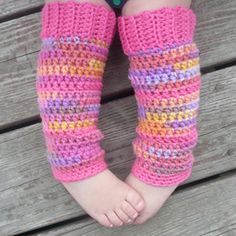 Baby Legwarmers:: Free #crochet leg warmers patterns for kids!